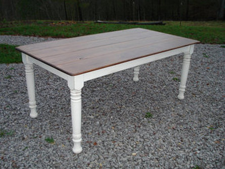 Amazing 6 Foot Distressed Farm Table